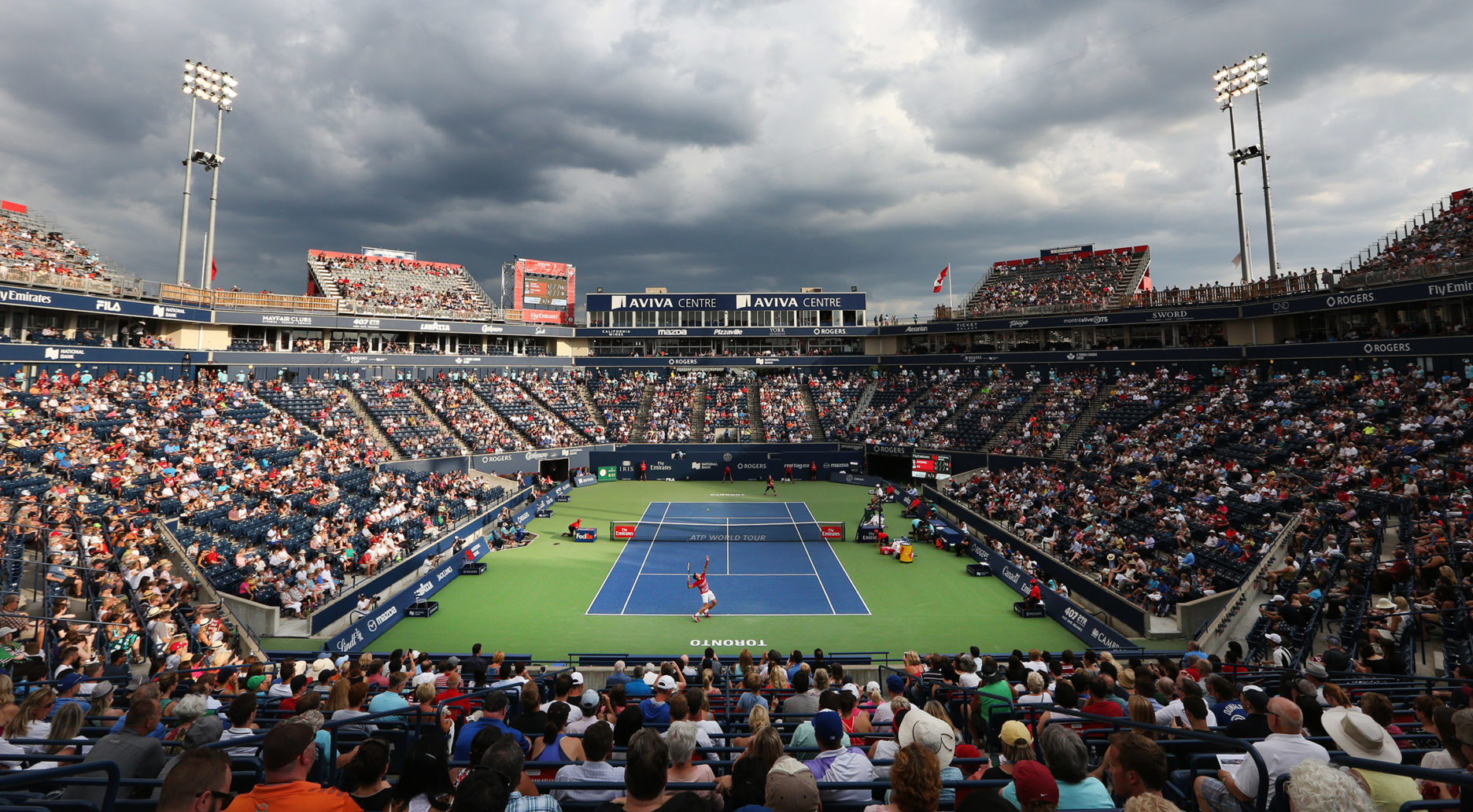 Crowd watching Milos Raonic at the Rogers Cup.